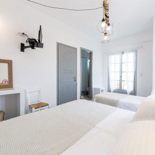 Καφέ Δωμάτιο - Evi Rooms στην Αλυκή | Πάρος | Κυκλάδες | Ελλάδα.