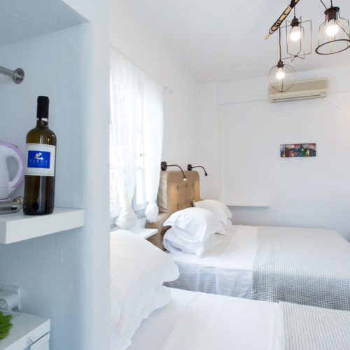 Coffee Room - Evi Rooms to Let in Alyki | Paros | Cyclades | Greece.