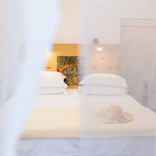 Mustard Room - Evi Rooms to Let in Alyki | Paros | Cyclades | Greece.