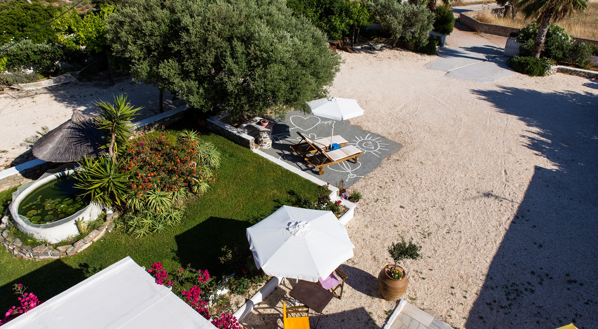Evi Rooms to Let in Alyki   Paros   Cyclades   Greece.